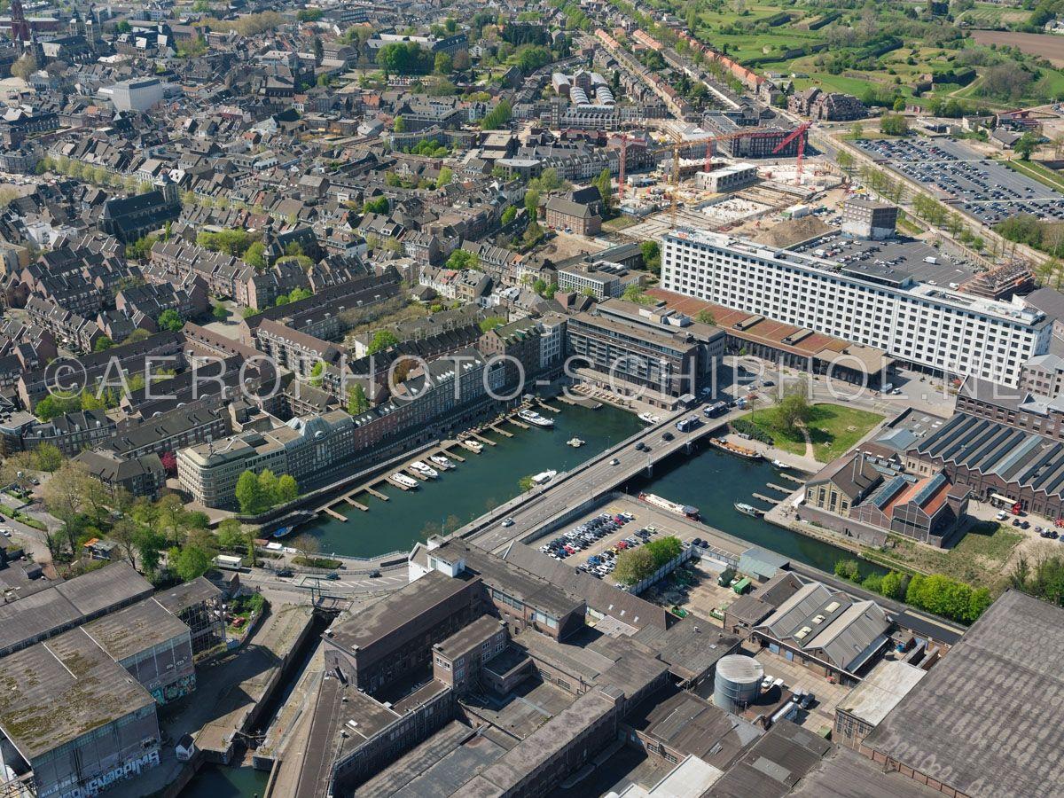 luchtfoto    305435   Maastricht,  het Boschkwartier met het  Bassin en Sphinxkwartier. opn. 18/04/2019