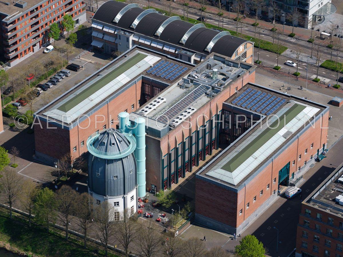 luchtfoto |  305442 | Maastricht, het Bonnefantenmuseum en de Wiebengahal in de wijk Céramique. opn. 18/04/2019