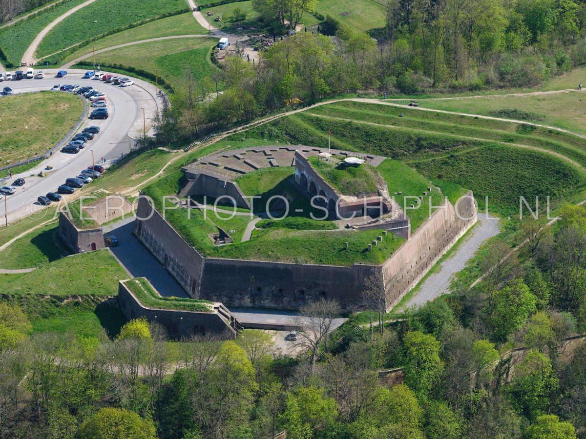 luchtfoto    305469   Maastricht, Fort Sint Pieter op de Sint Pietersberg. opn. 18/04/2019