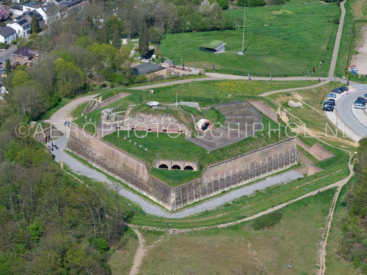 luchtfoto    305470   Maastricht, Fort Sint Pieter op de Sint Pietersberg. opn. 18/04/2019