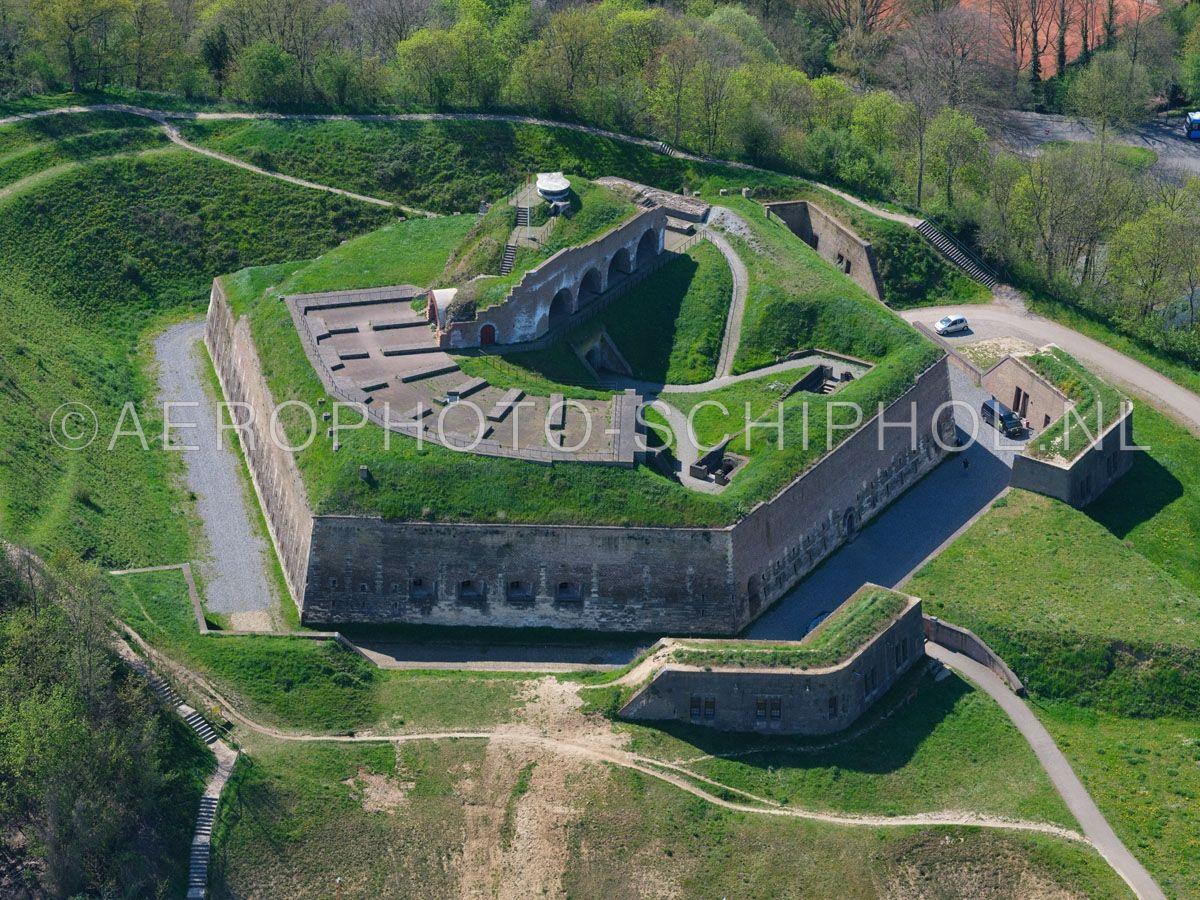 luchtfoto |  305471 | Maastricht, Fort Sint Pieter op de Sint Pietersberg. opn. 18/04/2019